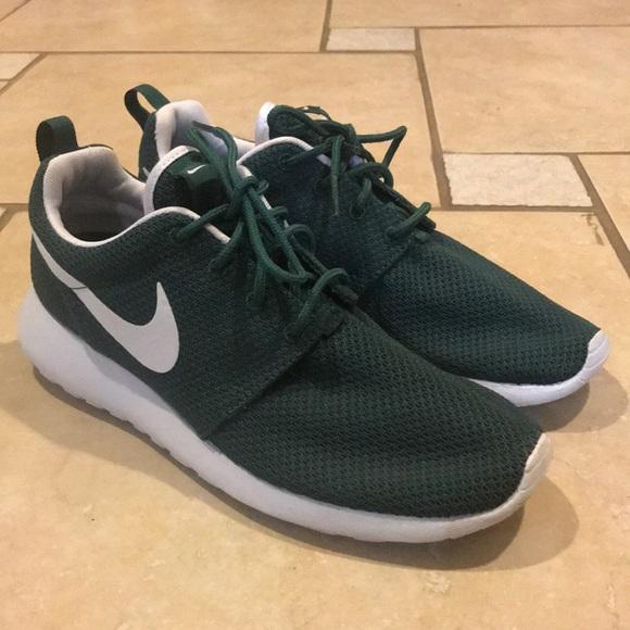 Nike Roshe One Dark Green Men's 7 Women's 8.5